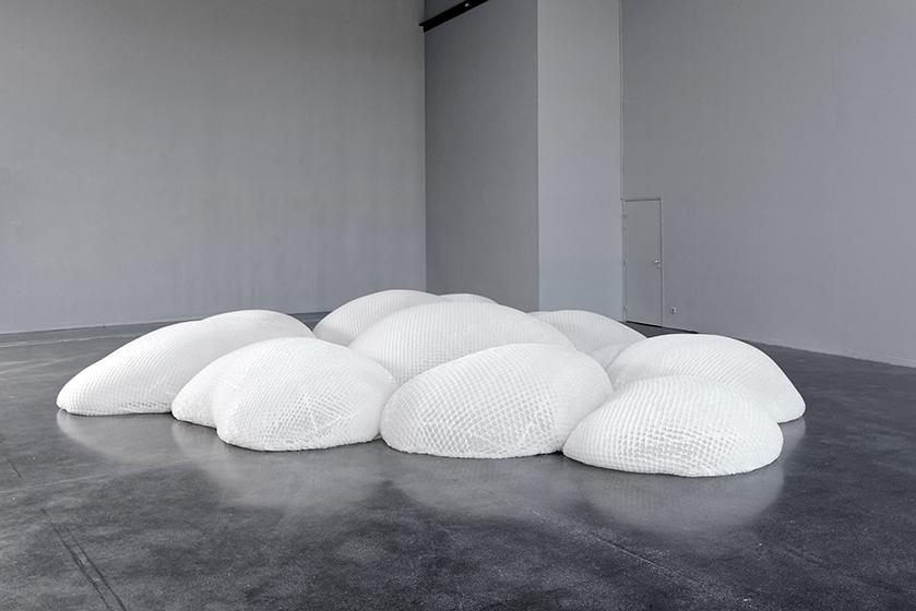 A l'occasion du Festival Immersion 2016, Emilie Faïf est invitée par le Centre d'art de l'Onde pour une exposition monographique » Nuages » et conçoit deux nouvelles installations in situ.