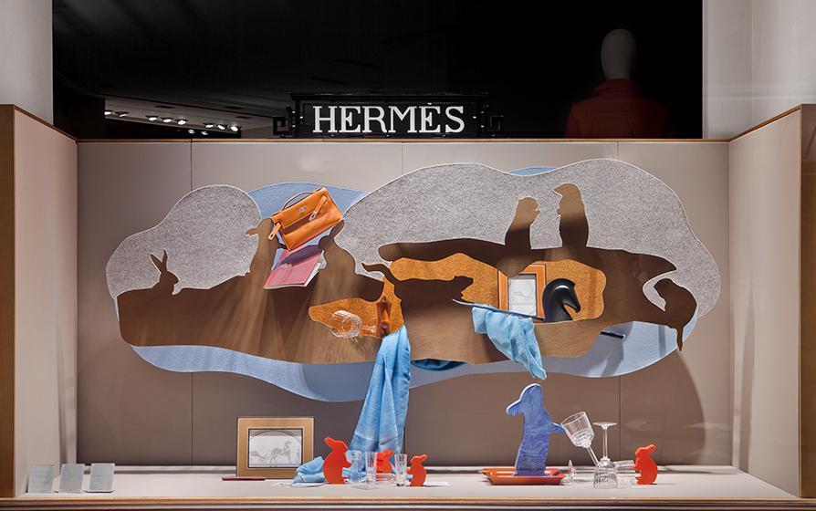 Vitrines d'Automne Hermès France 2016, Avenue Georges V Paris.