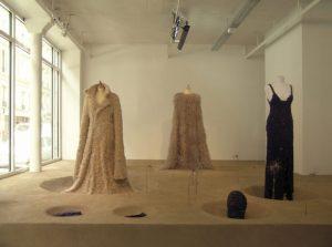 Scénographie de l'exposition SECONDE PEAU exhibition – Gallery Fraich Attitude Paris