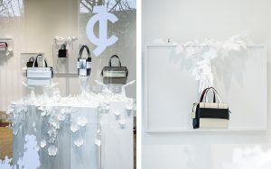 February 2018 – JCRICKET – READY-TO-WEAR Showroom. For its first time, ready-to-wear brand JCricket, show its «Trousseau de voyage» collection in Paris : Jimin Lee, corean and brand founder, chooses to open her showroom during Parisian 2018 Fashion Week into Joyce Gallery walls, in the Palais-Royal garden.