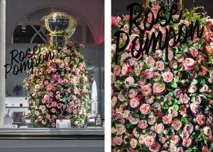 The third chapter of the Rose Pompon story puts an emphasis on the main ingredient used in the fragrance, the rose : oversized, monumental, the iconic bottle is covered with roses larger than life, blossoming in the windows of the boutiques, attracting the eye of the passerby. Photo © Géraldine Bruneel.