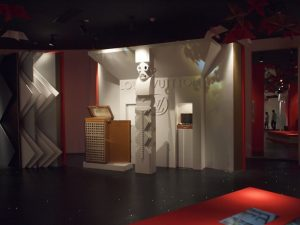 April-October 2010 – 1920-1931 exhibitions are mentioned through a scenography inspired by the Louis Vuitton personal archives.