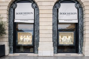 Spring 2016 -Boucheron – Hands of light – Scenery of windows of the international network. Tribute to the jewelry artisans, true sculptors bringing sparkles out of gem