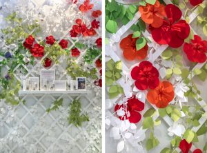 November 2018 – Carole G. Inspired by the flowered gardens, Soline d'Aboville highlights the Florathérapie Dermique collection developped by Carole Geraci in a happy and kind environment : a white treillis covered by paper flowers and the lawn in the ground enhance the products, and an arbor is framing the sitting zone.