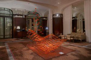 September 2014 – Royal Monceau Raffles Paris – Fleurs de Paris – Installation in the hotel lobby.