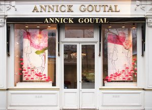 On the occasion of the launch of the new fragrance Rose Pompon, Soline d'Aboville designed the windows of all Annick Goutal's boutiques.