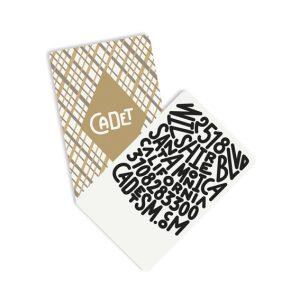 <p>Identité visuelle du restaurant Cadet à Santa Monica en Californie.</p> <p>La carte de visite est une miniature de carte à jouer.</p>