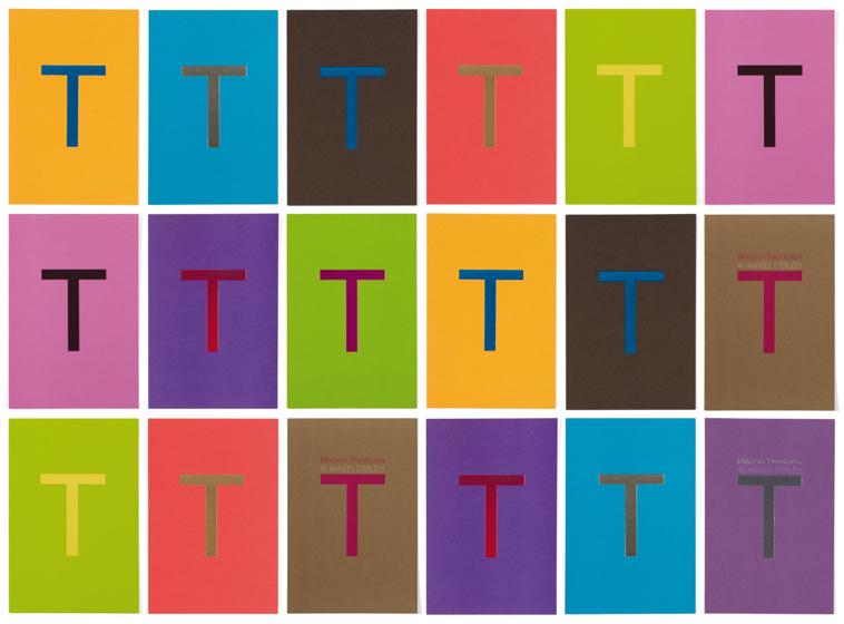 Ich&Kar redessine le menu Troisgros sur trois accord : pistache chocolat, or outremer et bleu perlé. Chaque menu est imprimé dans cette harmonie de couleurs gourmandes. En ouverture une photographie de Bernard Plossu ouvre le bal des festivités.