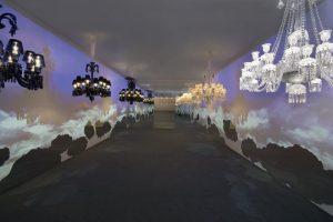 2011 – BaccaraT – baccarat highlights – palazzo Morando – euroluce – Milan. Le parcours de l'exposition est rythmé par les heures du jour et de la nuit, de l'aurore au levé de la lune, ponctué d'ombres mystérieuses, d'un puissant orage et de quelques fraîches averses.