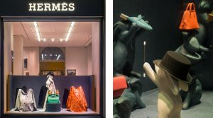 Janvier 2018 – Hermès – Maison de jeux – Décor de vitrines, réseau des boutiques Hermès en Suisse. Soline d'Aboville créé un décor autour du monde de la magie avec un second niveau de lecture empli d'espièglerie et de dérision.