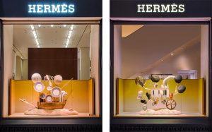 Été 2017 – Hermès – le sens de l'objet – Décor de vitrines, réseau des boutiques hermès en suisse. La fonction des objets est ici détournée et les collections deviennent acteurs de machines imaginaires constituées d'objets de seconde main dans des compositions fourmillantes de détails.