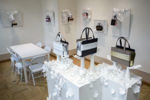 Février 2018 – JCRICKET – Showroom  – JCricket, marque de prêt-à-porter, présente sa collection «Trousseau de voyage» à Paris : Jimin Lee, coréenne et fondatrice de la marque, choisit d'ouvrir un showroom le temps de la Fashion Week 2018 dans les murs de la Joyce Gallery au Palais Royal.