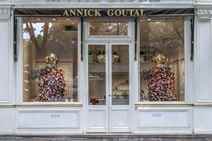 Annick Goutal fait une nouvelle fois appel à Soline d'Aboville alors que la famille Rose Pompon s'agrandit en 2017 avec une gamme de soins en édition limitée. Photos © Géraldine Bruneel.