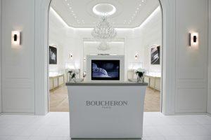 Pour Baselworld 2013, Soline d'Aboville et Guillaume Leclercq, spécialistes de l'architecture d'intérieur et de la scénographie, ont transposé sur 266 m2 les codes et l'atmosphèredu 26 place Vendôme à Paris, l'hôtel particulier où est née la Maison Boucheron.