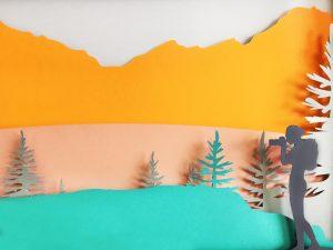 Décembre 2018 – Relais & Châteaux. Les décors réalisés par Soline d'Aboville pour les vitrines de Noël suggèrent une promenade dans le Nord du continent américain, à travers les paysages du Michigan et du Canada.