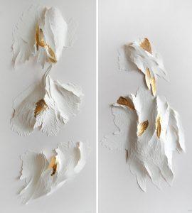 Angèle Guerre, plasticienne, 2018, «Nu Orné», dimensions 34 x 74 cm. Incisions au scalpel sur papier et feuilles d'or. Ces papiers sculptés au scalpel, réalisés pour l'Hôtel Parklane à Chypre ont été réhaussés de feuilles d'or, points de lumière et de reliefs.