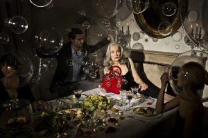2013 – Projet Lady Dior AS SEEN BY – Le projet » As seen by » de Christian Dior a pour but de proposer à des artistes de donner leur vision du sac iconique Lady Dior en s'appropriant le design, la matière, l'identité de cet objet.