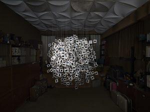 2014 – LES COLLECTIONNEURS – Sculpture et photographie sur le thème des diaporamas.