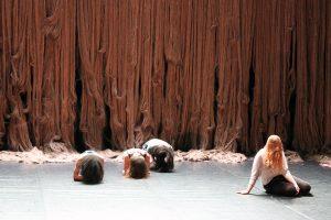 Février 2017 – Emilie Faïf crée la scénographie du spectacle de danse contemporaine de Marion Muzac «Ladies First».