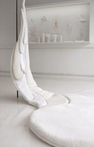 Emilie Faïf, plasticienne, 2012, installation textile dans le cadre de l'exposition collective «Lactescences», organisée par Milk Factory, Paris.