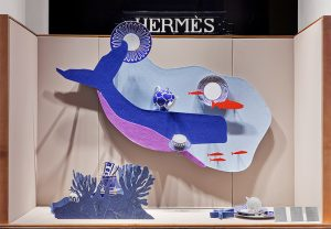 Fall 2016 – Fall windows, Hermès France 2016, Avenue Georges V, Paris.