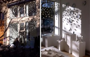 A beautiful snowflake shower for an enchanting  Christmas ambiance