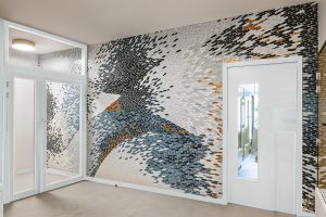 Mathilde Jonquière, mosaic artist, April 2019, FULIGULE project. Here, the pattern of the wing appears in flows and interlaces. The material, the colour and the cinetic disposition draw a strong vitality in the shading. The movements of the wings remind of the child creativity and of its intellectual abilities emerging.