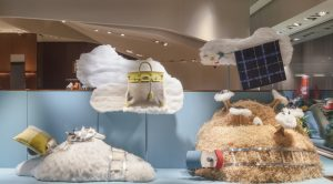 Soline d'Aboville, scenographer, January 2019, On hour way home from school, Hermès store, Genève. This Jacques Prévert's poetry sets the tone of the first 2019 Swiss Hermès window decors….