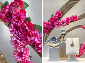 Soline d'Aboville, scenographer, June 2020, Chopard Spring-Summer 2020 window animations. Soline d'Aboville pursues its collaboration with the House of Chopard and dresses up with flowers for the summer of 2020, the brand's iconic C.