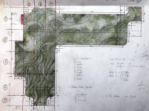«Tous mes projets débutent par un dessin à l'aquarelle. C'est mon premier jet, mes premières intentions, ma première échelle par rapport à l'espace dans lequel sera intégrée la mosaïque. (…) Mes fresques sont très dessinées, d'abord en atelier. Le dessin est un copié-collé : je passe de l'échelle 1/10eme, 1/20 eme ou 1/50 eme à l'aquarelle à une échelle réelle où le dessin est minutieusement identique grâce à un quadrillage méticuleux. Ainsi, il y a un respect de représentation entre le dessin et la fresque in situ.»