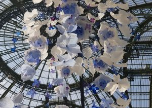 William Amor, upcycling artiste, salon Révélations, Grand Palais, Paris, mai 2019. Installation suspendue.